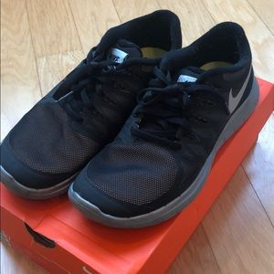Nike Barefoot Ride 5.0 Running Shoes